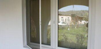 Fabrica De Jaluzele  – plase insecte – furnizor de calitate pentru plase țânțari tip rulou şi plase insecte plisse