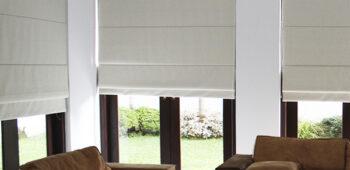 Înfrumuseţaţi-vă interioarele cu jaluzelele romane lucioase de la fabrica de jaluzele